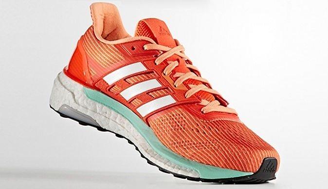 Беговые кроссовки очень удобные и имеют хорошую вентиляцию ноги.