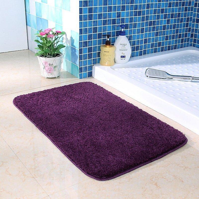 Хорошо подобранный коврик не испортит внешний вид Вашей ванной комнаты, а лишь украсит её