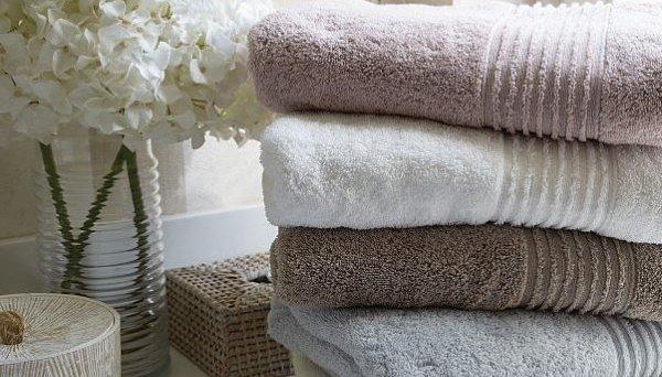 Махровое полотенце очень мягкое и приятное на ощупь