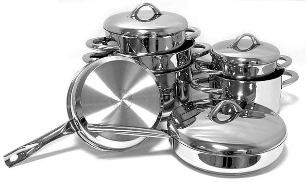 Посуда из нержавеющей стали выглядит идеально