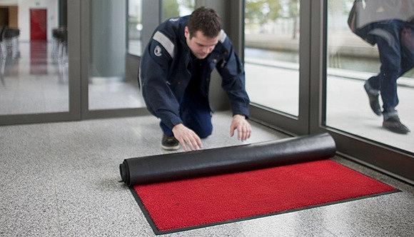 Все необходимые критерии для грязезащитных ковров
