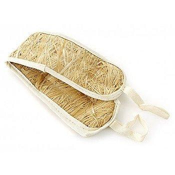 Мочалка из лыка хорошо очищает кожу, но, к сожалению, она не долговечная.